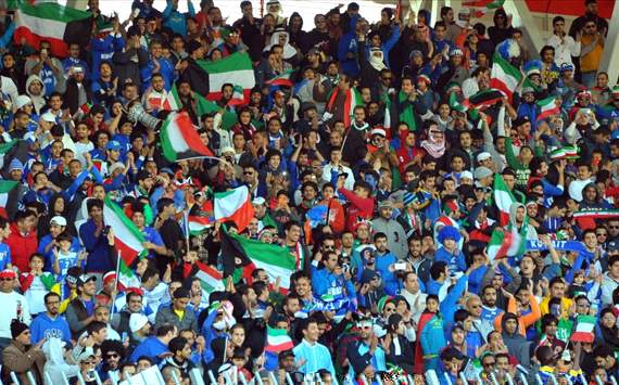 جماهير الأزرق تطالب بإقالة اتحاد الكرة الكويتي