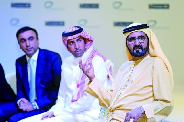 محمد بن راشد: الإمارات آمنت بدور وسائل التواصل في تغيير حياة الشعوب