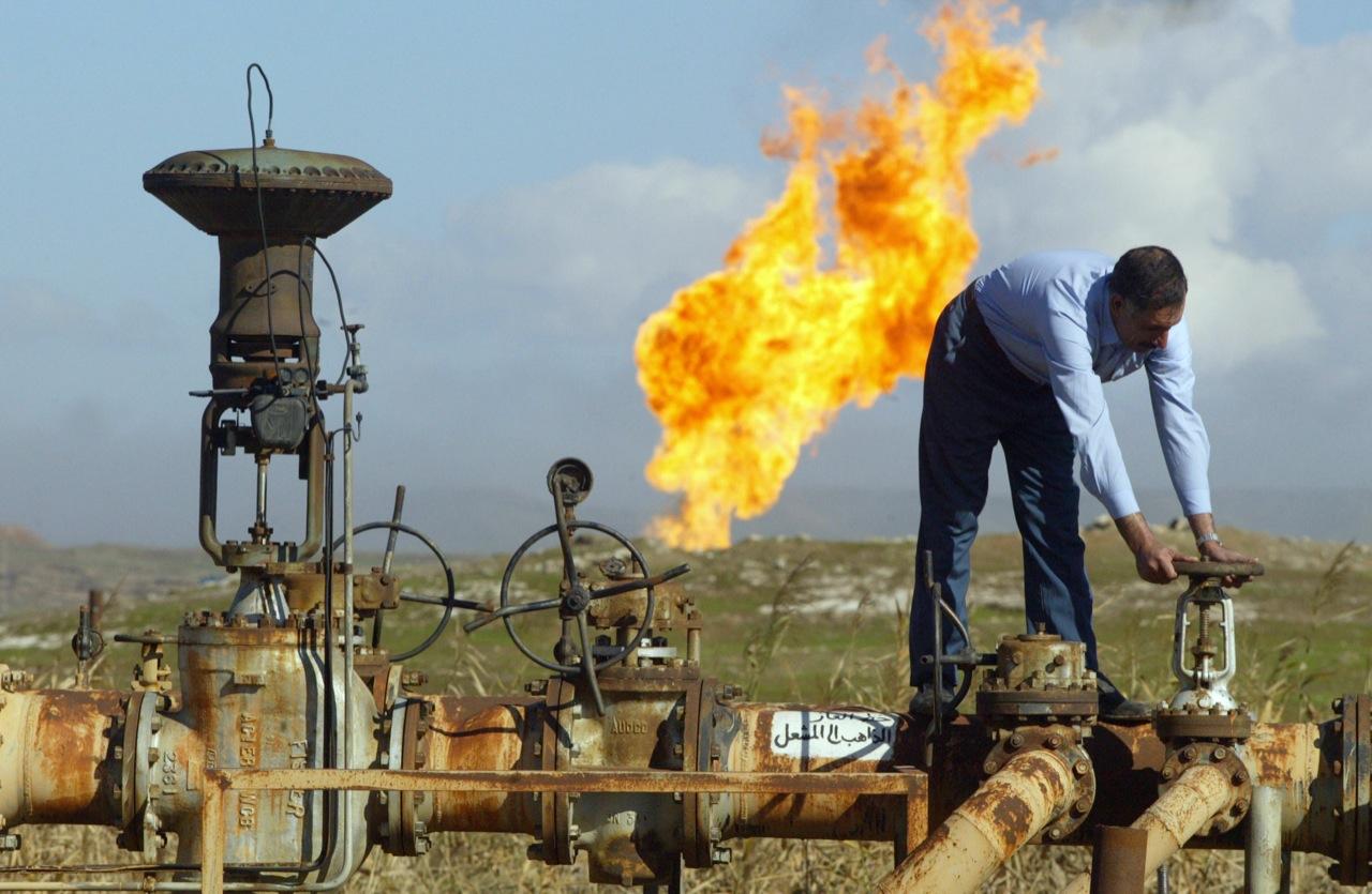 النفط يعاود التراجع بعد التوترات الأخيرة في المنطقة