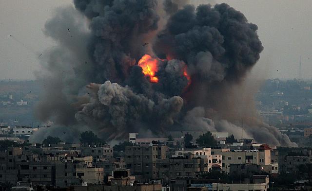 نظام الأسد يلقي آلاف البراميل المتفجرة منذ مطلع العام الجاري