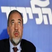"""ليبرمان يؤكد """"التنسيق"""" مع قادة عرب حول صفقة """"تسوية إقليمية"""""""