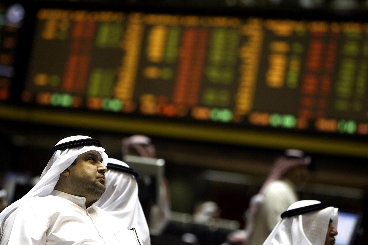 مضاربات سلبية عنيفة بأسواق الخليج تعزز خسائر الأسهم المدرجة