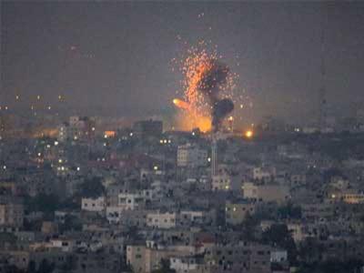 """""""هآرتس"""": تضييق السيسي وإسرائيل الخناق على حماس يعجل بالحرب"""