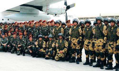 تدريبات مشتركة بين القوات المسلحة الإماراتية و المصرية