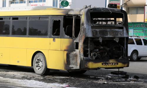 نجاة 35 طفلًا من حريق اندلع بحافلة مدرسية في الفجيرة