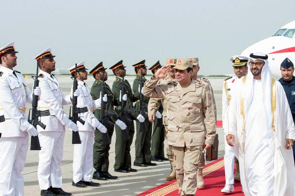 وصول وزير الدفاع المصري إلى أبوظبي في زيارة رسمية
