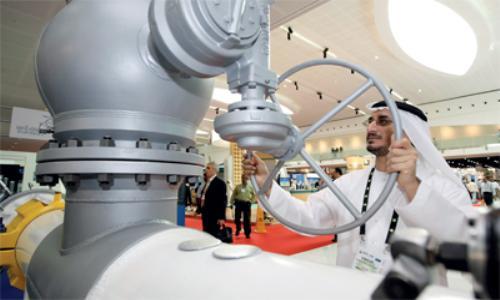 953 مليار درهم ناتج أبوظبي المحلي 55 % من النفط