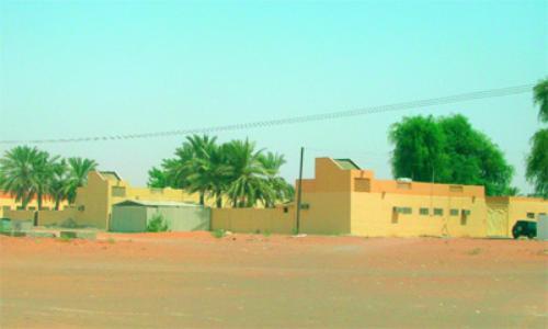 """تسليم 140 قطعة أرض لـ""""الأشغال"""" لإقامة مساكن بالكلباء"""
