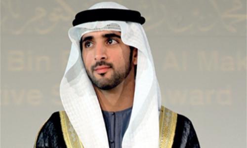 ولي عهد دبي يمنح رحلة عمرة لـ 36 يتيماً وحاضنة