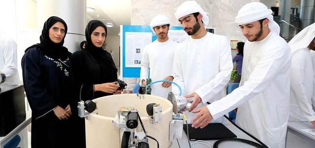 7 طلاب مواطنين يبتكرون روبوتا غواصاً