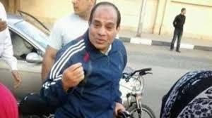 الجارديان: السيسي يستغل الخطاب الديني للتزلف إلى المصريين