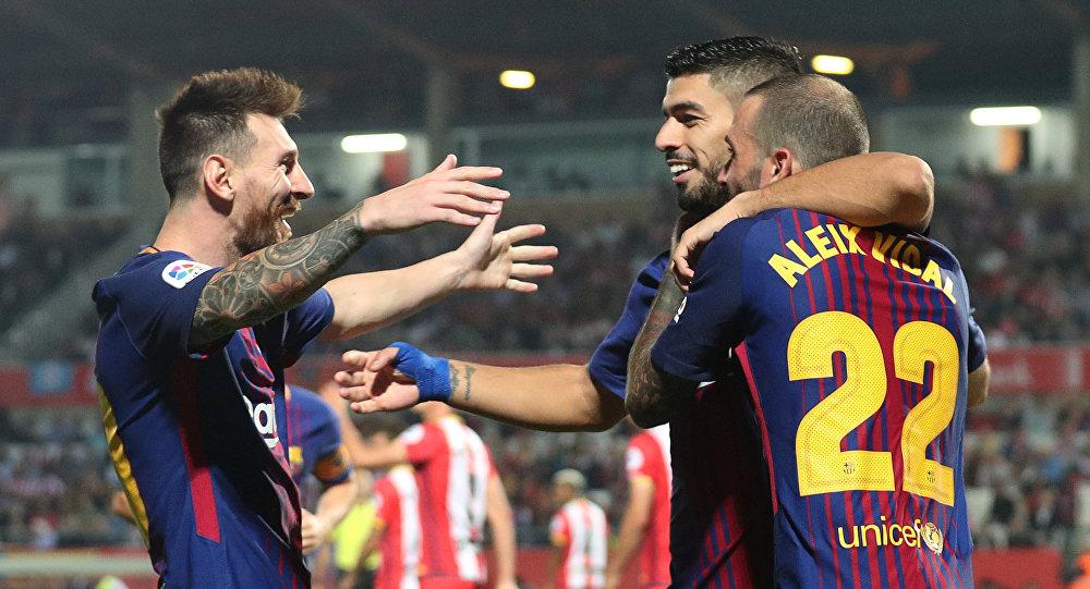 ثنائية ألكاسير تمنح برشلونة الفوز على أشبيلية