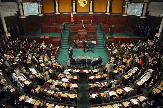 """البرلمان التونسي يمنح الثقة لحكومة """"الصيد"""""""