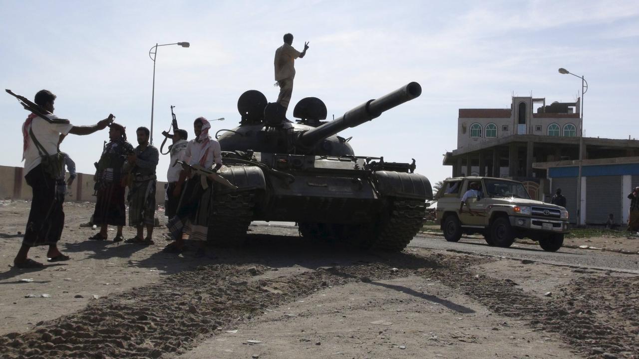 رغم سريان الهدنة.. الحوثيون يهاجمون عدن وتعز والضالع