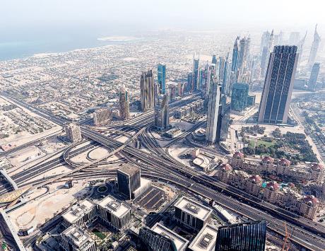 """""""دبي العالمية"""" تسعى لإعادة هيكلة ديونها"""