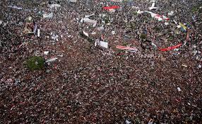 فايننشال تايمز: الشباب العربي لم يعُد يؤمن بالديمقراطية