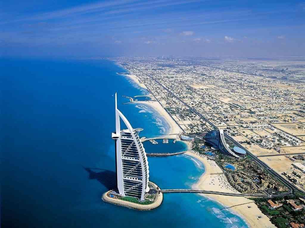 """الإمارات الثالثة عالمياً في مؤشر """" الثقة 2015 """""""