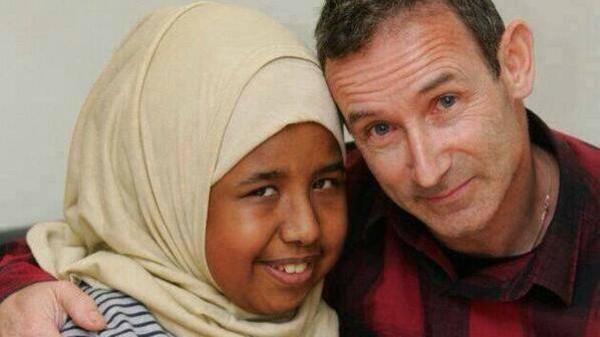 معلم يتبرع بكليته لتلميذته