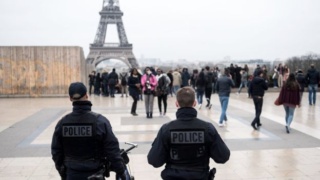"""فرنسا توظف 3 آلاف شرطي جديد لتأمين """"يورو 2016"""""""