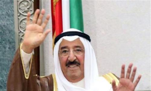 أمير الكويت يعود بعد رحلة علاجية استمرت شهرًا