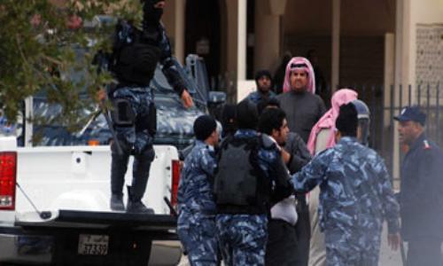 الكويت تحد من صلاحيات الشرطة في ترحيل الأجانب