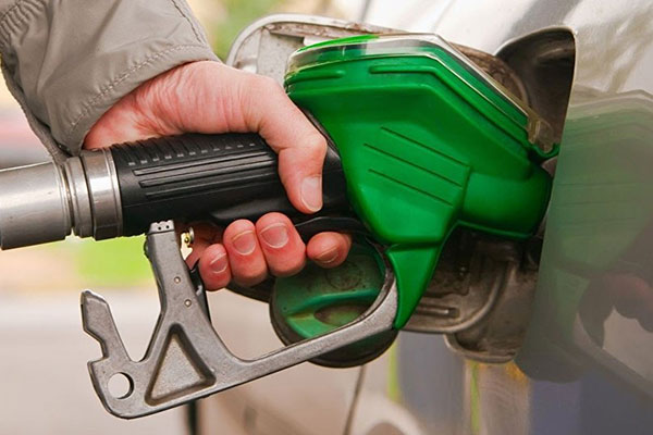 11 فلسا زيادة في أسعار الوقود في أكتوبر بالدولة