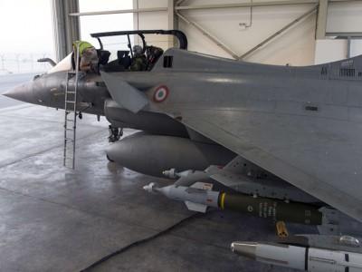 فرنسا تعتزم نشر طائراتها في الكويت على غرار نشرها بالإمارات