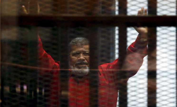 نظام السيسي يمهد لإسقاط الجنسية عن الرئيس محمد مرسي