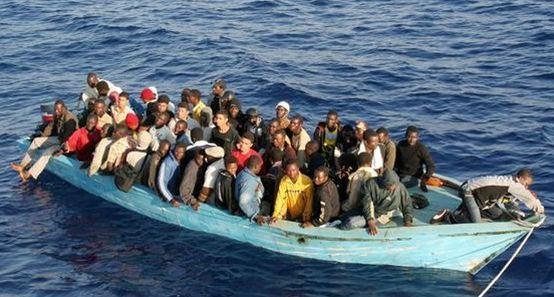 السعودية تدعو لمساعدة الدول المصدرة للمهاجرين