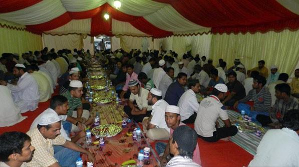 الهلال الأحمر يقيم 123خيمة إفطار رمضانيه بجميع أنحاء الدولة