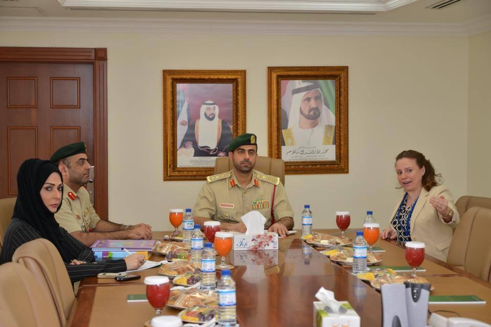 شرطة دبي تبحث تنفيذ برامج تمكين للأطفال مع منظمة أفلاطون الدولية
