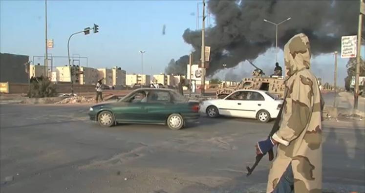 ثوار بنغازي يبدؤون عملية للسيطرة علي مطار من يد حفتر
