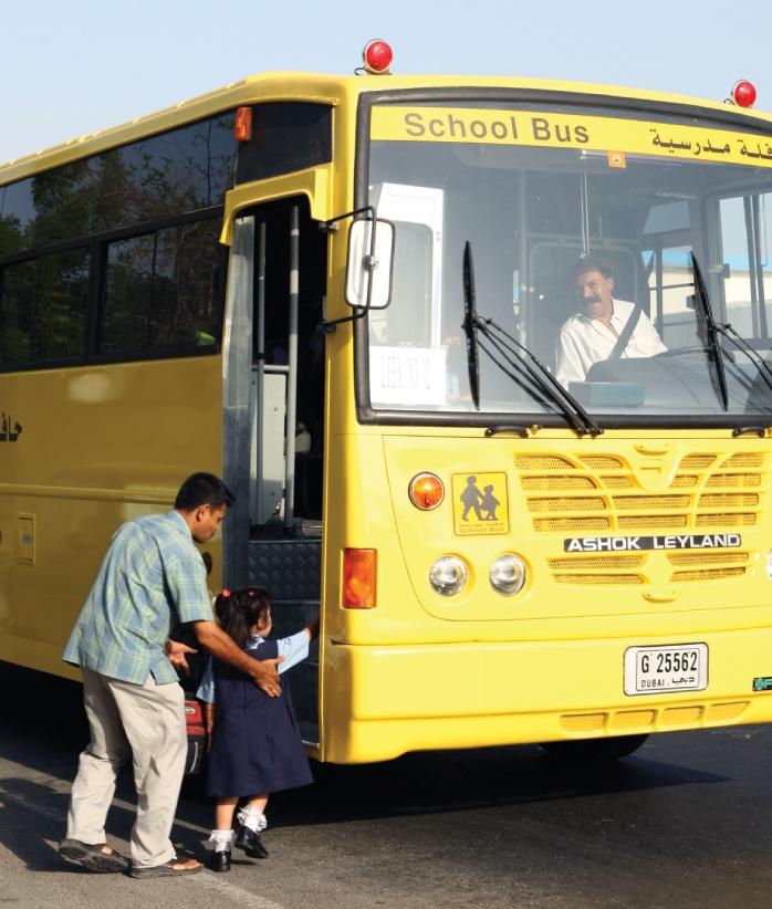 دورة الإسعافات الأولية لـ390 من سائقي و مشرفات الحافلات في الشارقة