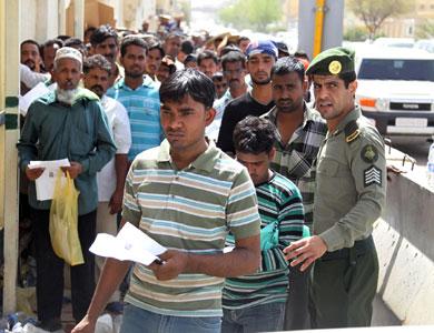 السعودية ترحّل نصف مليون مخالف لقانون الإقامة