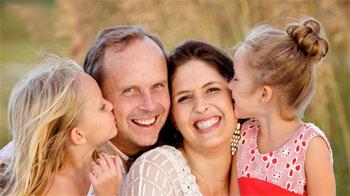 دراسة: الضحك أفضل علاج للاكتئاب والغضب