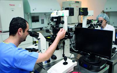 216 مستفيداً من مبادرة أمل في مركز دبي للإخصاب