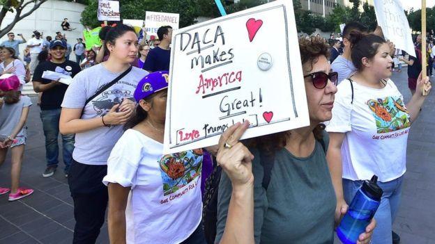 ترامب يثير الجدل مجددا بإلغاء قانون يحمي المهاجرين القاصرين