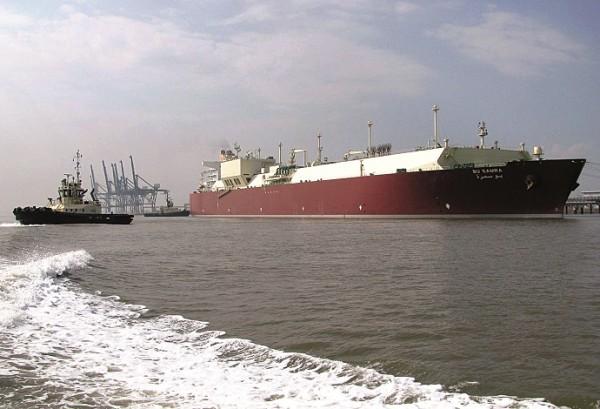 الكويت توقع اتفاقاً لاستيراد الغاز من قطر