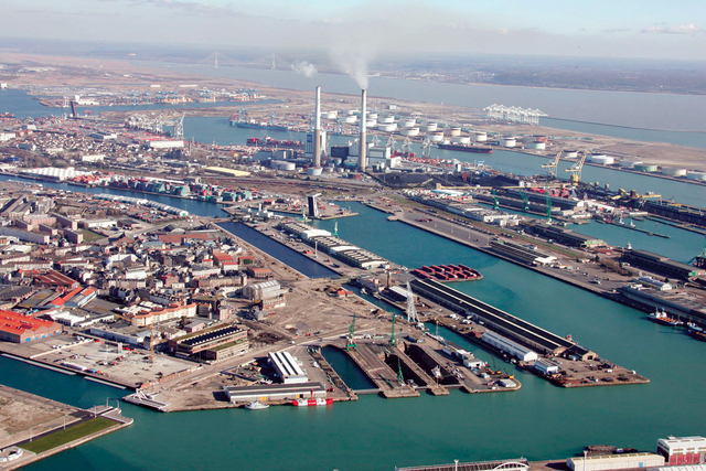 موانئ دبي تحقق نموًا في أعمالها منذ مطلع العام