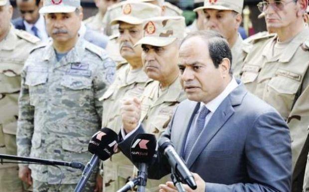 كاتب بريطاني: السيسي يحارب الإخوان في مصر ويدعمهم باليمن