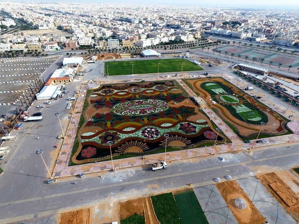 """سجادة """"عاصفة الحزم"""" تزين أجواء مهرجان الربيع في الرياض"""