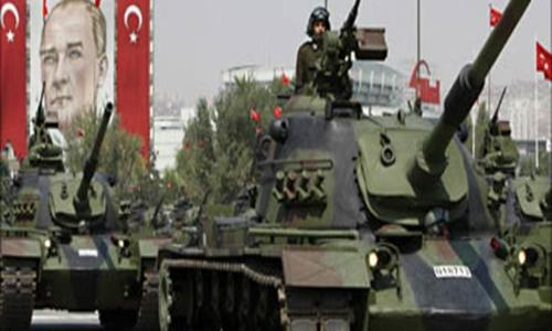 الجيش التركي يقصف مناطق سورية رداً على سقوط قذائف