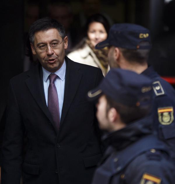 النيابة تطالب بسجن رئيس نادي برشلونة