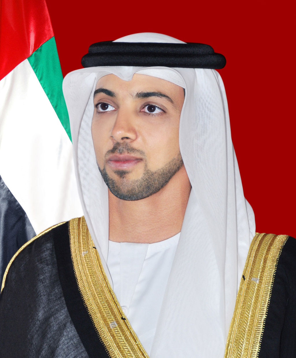 منصور بن زايد يتسلم جائزة اللجنة التنظيمية المتميزة