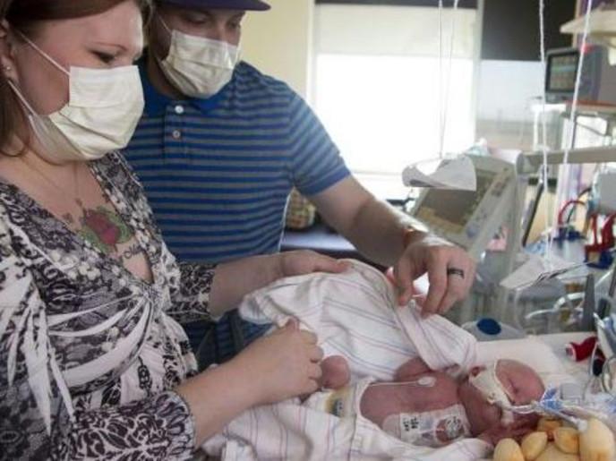 نجاح عملية زرع قلب لطفل بعمر 6 أيام