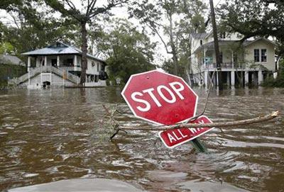 فلوريدا الأمريكية تعلن حالة الطوارئ لمواجهة الفيضانات
