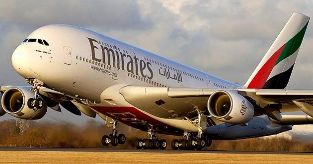 """""""فيديو"""".. هبوط مرعب لطائرة """"الإمارات"""" وقائدها يجنبها كارثة محققة!"""