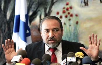 وزير إسرائيلي: لست متفائلا بالتهدئة وليبرمان سيكون رئيس الحكومة القادم