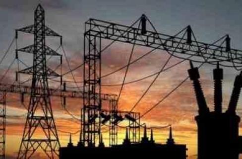 غزة تصلح 80% من خطوط الكهرباء المعطلة بسبب العدوان