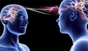 العلماء يطوّرون تكنولوجيا التخاطب الدماغي عن بُعد